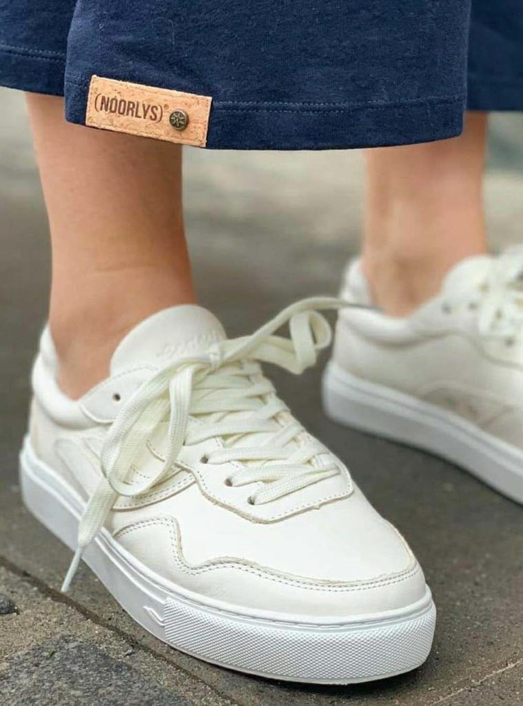 chaussures blanches