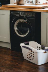 machine à laver et manne à linge