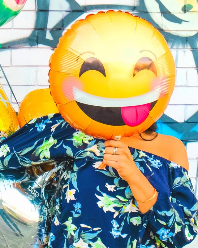 ballon jaune sourire