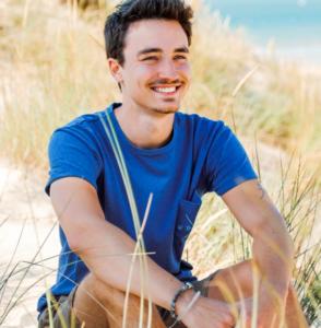 homme t-shirt bleu dune de sable